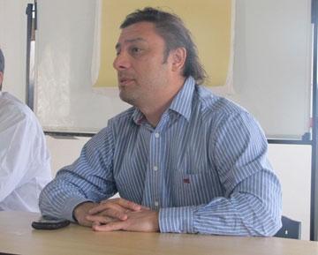 Teodoro Camino anunció el incremento para los municipales.