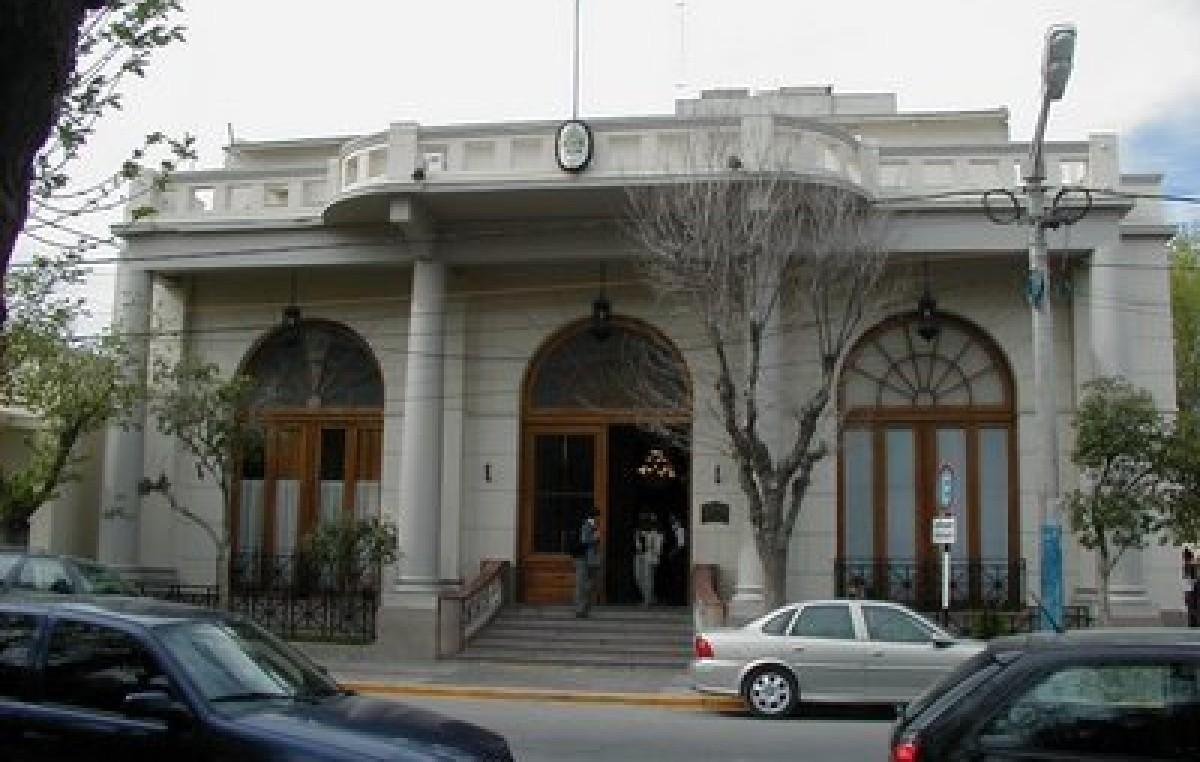 Municipales de Trelew amenazan con ir a un paro si no aumentan el 27 % en una cuota