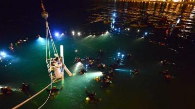 Puerto Madryn: Con la bendición del Papa Francisco se realizó el Vía Crucis Submarino