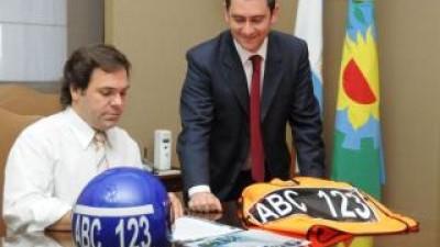 Buenos Aires se reunirá con intendentes para poner en marcha el uso de casco y chaleco