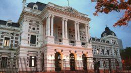 Buenos Aires: El gobierno provincial pagaría sueldos de las policías locales