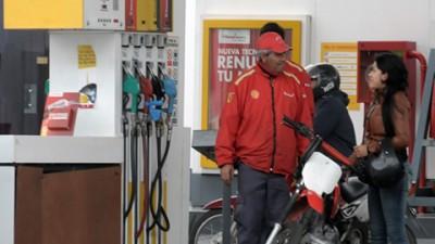 Proponen no vender combustible a los vehículos sin patente en Rosario