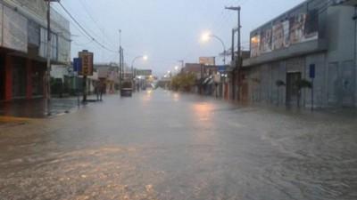 Neuquén: Son más de 1.000 los evacuados por la tormenta que afecta a gran parte de la provincia