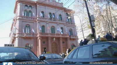 Rosario: Una docena de taxis está en manos de empleados municipales