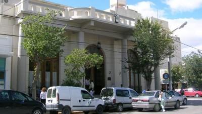 Los gremios acordarían aumento del 30 por ciento si el Municipio de Trelew cumple un petitorio