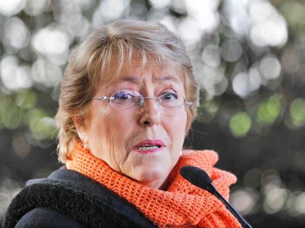 Gratuidad. Bachelet presenta su tan esperada reforma a la educación en medio del recelo de los estudiantes.