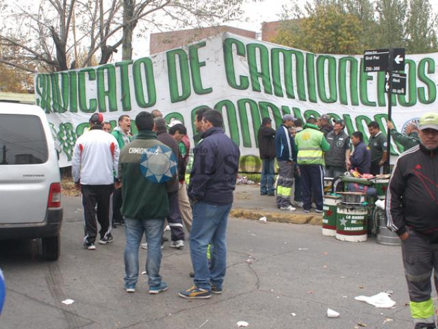Los camioneros siguen acampando en inmediaciones de la Comuna