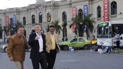 """Macri criticó la tasa vial y dijo que De la Sota """"administra mal"""""""
