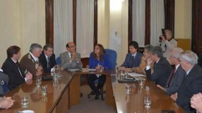 Córdoba:Casi sin representantes de la oposición, lanzan Comisión para garantizar servicios esenciales