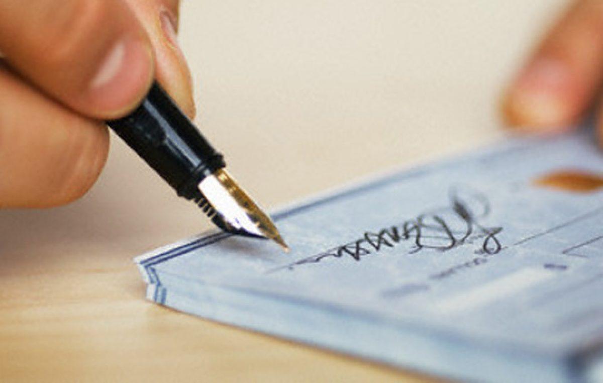 Córdoba: El municipio volvió a los cheques para calmar a los proveedores