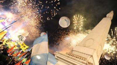 Más de 300 mil personas en la Fiesta Popular en Plaza de Mayo
