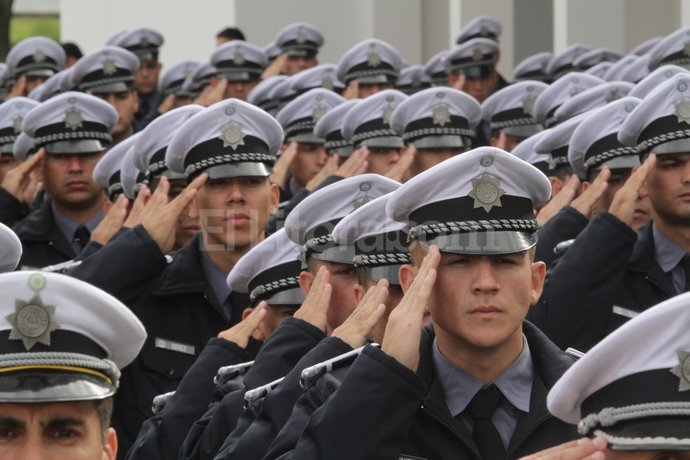 Los cadetes del Isep que saldrán en breve a la calle tendrán un rol importante en el nuevo esquema.- Foto:Mauricio Garín