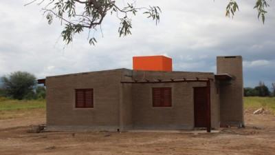 Se invierten entre $ 300 y 350 mil por cada vivienda rural en Catamarca