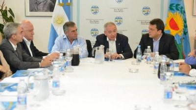 Buscan aflojar la tensión interna en el FR por proyecto para limitar reelecciones