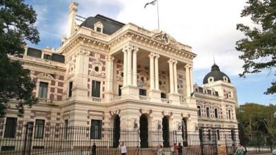 En Buenos Aires crece preocupación radical por las cuentas de sus comunas