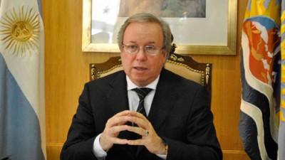 Gobernador de Santa Cruz adelantó que se firma fideicomiso por mil millones de pesos para gasoducto