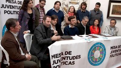 Dirigentes de los principales partidos del país presentaron la Mesa de Juventudes Políticas