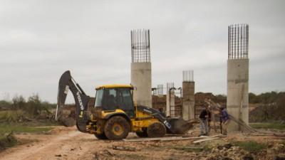 Se construye sobre el Gualeguay el puente más largo de Entre Ríos