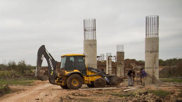 Actualmente se ejecutan las columnas del puente que tendrá 700 metros de largo