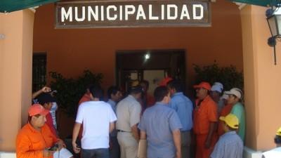 Municipales de Orán iniciaron una medida de fuerza