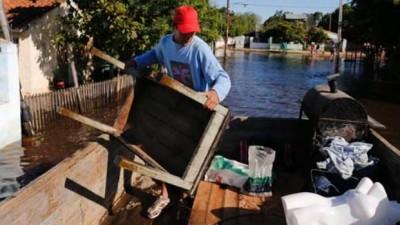 Una inusual crecida de los ríos Iguazú y Paraná alerta a Santa Fe