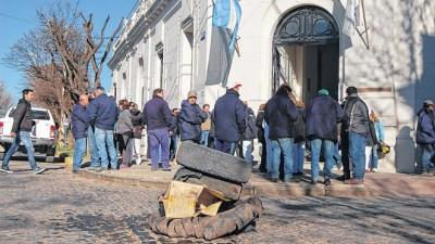 Saavedra: los municipales lograron un aumento del 20%