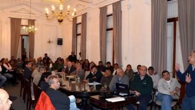 Gobierno Jujeño y comunas analizaron el tema de los precarizados