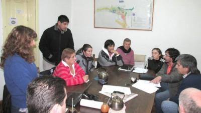 Soeme y concejales de Esquel buscan regular actividad del personal docente del Municipio