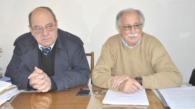 Los concejales Carlos Arroyo y José Cano (Agrupación Atlántica) denunciaron que la comuna se encamina a cerrar el ejercicio con un significativo déficit presupuestario.