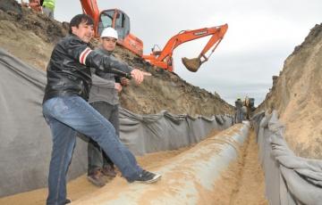 Martínez controló la marcha de los trabajos y reiteró la expectativa de que toda la obra pueda estar concluida a fines del año que viene.