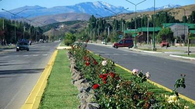 Invertirán $50 millones en obras de asfalto para Junín de los Andes