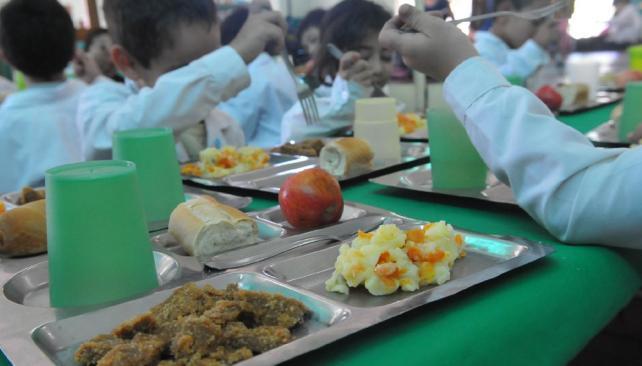 Para todos. Los 16.600 alumnos municipales reciben ración de comida diaria