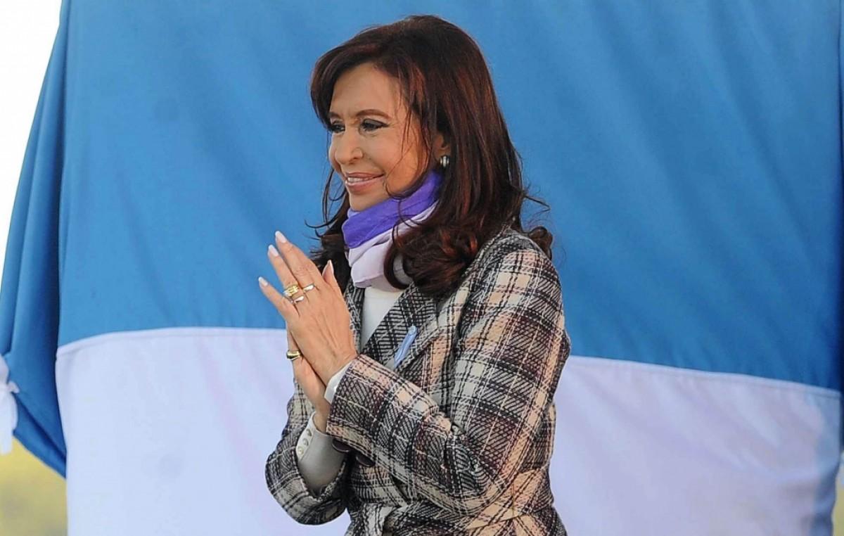 Desde Rosario, CFK anunció que buscará un acuerdo «con el cien por ciento de los acreedores»