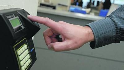 En Plottier controlan a empleados con huellas dactilares