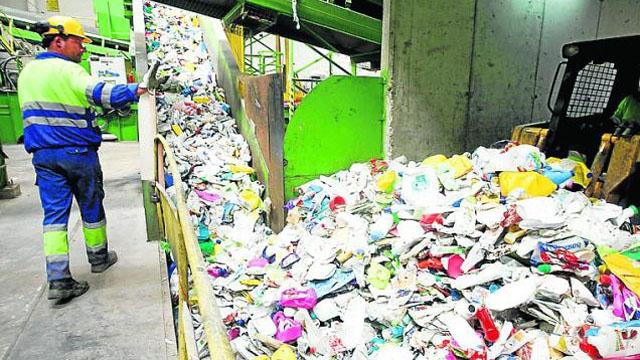 La ley permitirá avanzar con el tratamiento de los residuos urbanos y eliminar los basurales a cielo abierto.