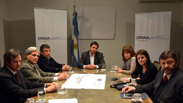 El acuerdo para la realización del aeropuerto internacional de cargas en Paraná lleva las rúbricas de Urribarri y Osuna.