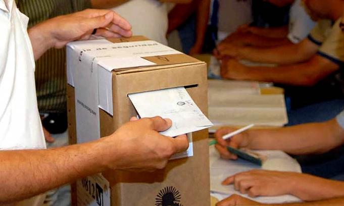 urna-mano-votando1