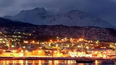 """La ciudad de Ushuaia celebra """"La Fiesta de la Noche Más Larga"""""""