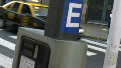 Analizan si estatizan o privatizan otra vez el estacionamiento medido en La Rioja