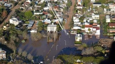En Colón se evacuaron 48 familias por la crecida del río Uruguay