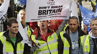 Mas de un millón de empleados públicos, de paro en Inglaterra