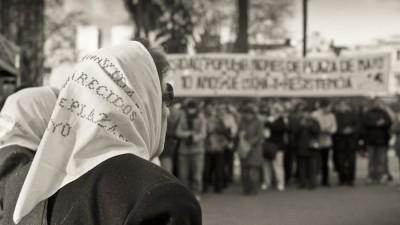 Los pañuelos de las Madres de Plaza de Mayo serán símbolos patrios