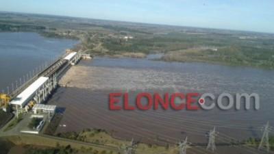 El nivel del lago Salto Grande superará la cota de expropiación y alertan a ribereños