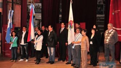 Egresaron 120 empleados municipales de Paraná y tuvieron un emotivo acto