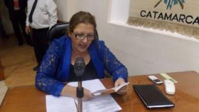 Impulsan proyecto para recategorizar a municipales de Catamarca