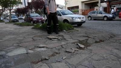 En Neuquén ya intimaron a 90 vecinos por tener sus veredas rotas