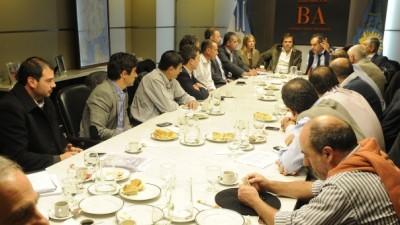 Tras intervención de la Nación, Scioli se reunió con intendentes para paliar consecuencias hídricas