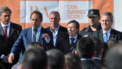 Scioli pidió «que Bahía no demore más» para tener su policía comunal