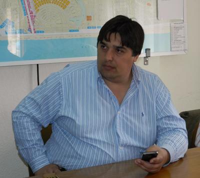 El intendente de Pinamar, Hernán Muriale, anunció que renuncia a su cargo y que el lunes será reemplazado por el concejal Pedro Elizalde.