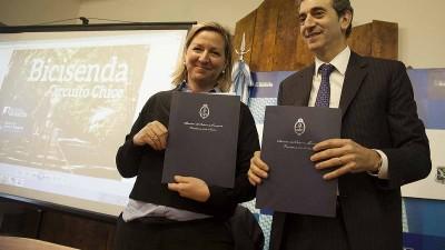 Firman convenio para la construcción de una bicisenda en Bariloche